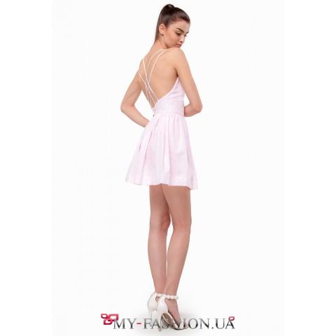 Романтичное и воздушное платье силуэта Fit-and-flare