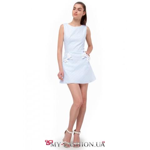 Элегантное небесно-голубое платье мини длины