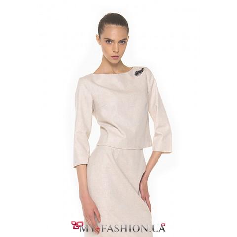 Лаконичная юбка-футляр – универсальный предмет гардероба