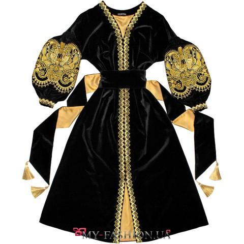 Платье-вышиванка из благородного бархата и золота