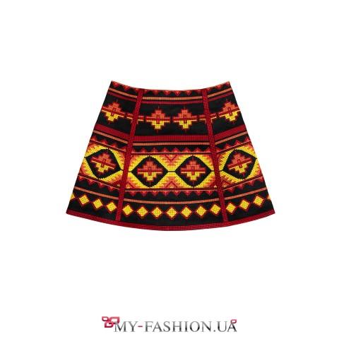Короткая вышитая юбка с ноткой аутентичного шарма
