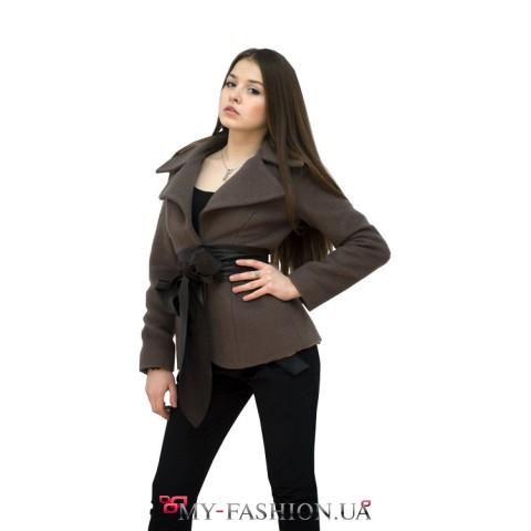 Жакет из шерстяного полотна с кожаным поясом
