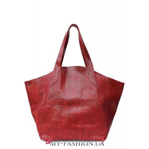 Вместительная кожаная сумка красного цвета без подкладки