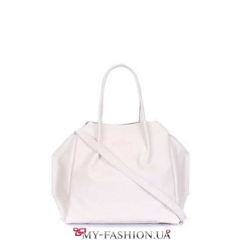 Удобная белая сумка на одно отделение