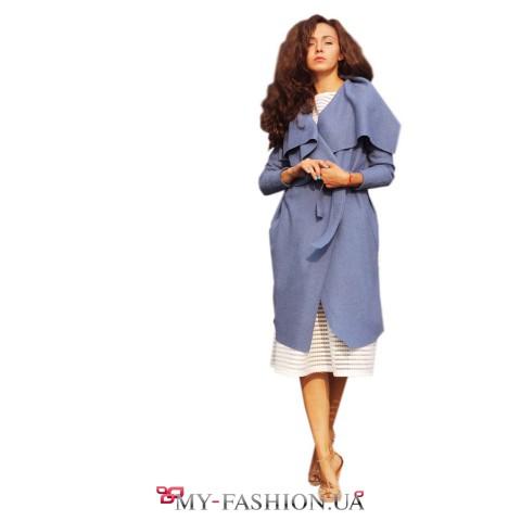 Пальто из валяной шерсти голубого цвета