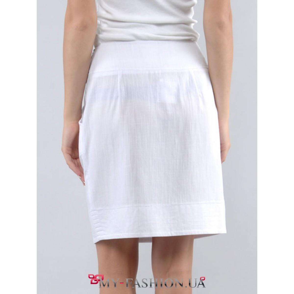 Короткая белая юбка