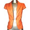 Короткий льняной пиджак оранжевого цвета