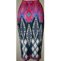 Узкая юбка с ярким геометрическим узором
