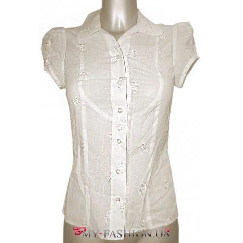 Белая летняя блузка с коротким рукавом