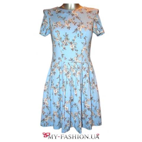 Голубое льняное платье с карманами в боковых швах