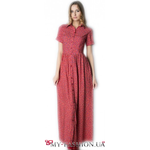 Длинное красное платье с мелким принтом