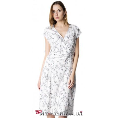 Белое льняное летнее платье на запах