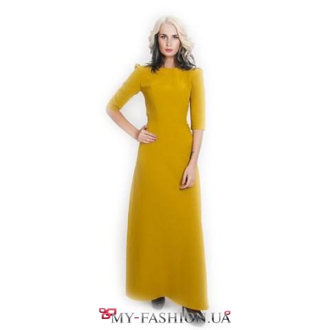 Элегантное платье приталенного силуэта