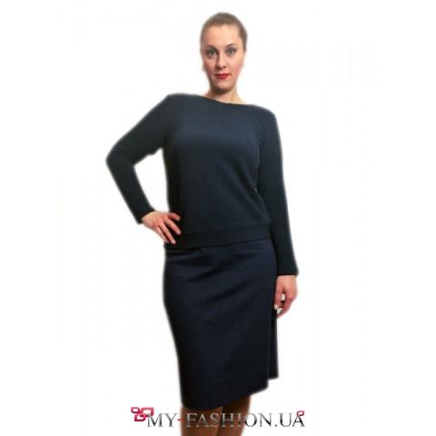 Трикотажное женское платье темно-синего цвета