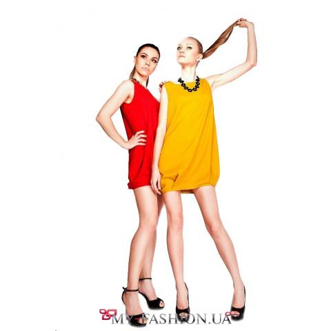 Жёлтое маленькое платье с кармашками