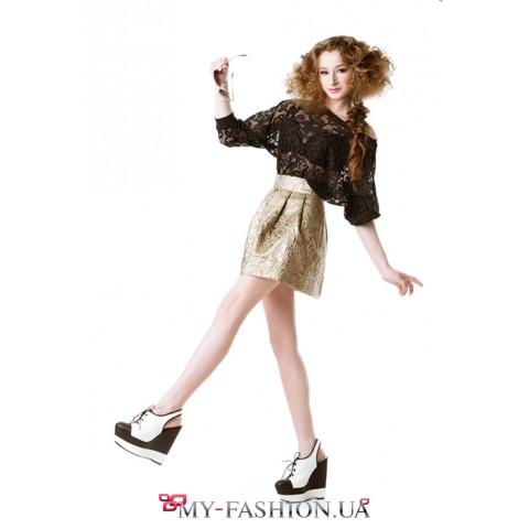 Короткая юбка золотистого цвета