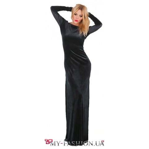 Длинное чёрное платье из бархата