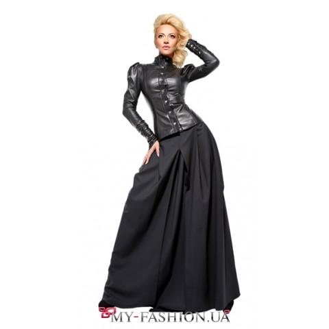 Длинная чёрная юбка с крупными складками
