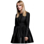 Черное платье с восхитительной короткой юбкой