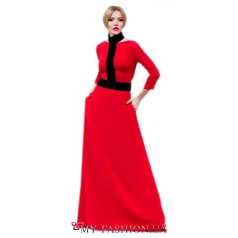 Восхитительное платье алого цвета со съемным декором