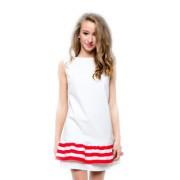 Короткое белое платье с оборкой