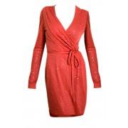 Коралловое платье на запах с пайетками