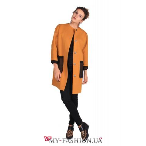 Пальто прямого силуэта из трикотажа горчичного цвета