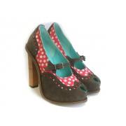 Оригинальные кожаные туфли с вырезом-капелькой