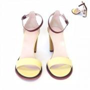 Босоножки с комбинированным цветастым каблуком