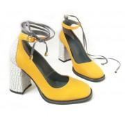 Стильные женские туфли с светло-серым каблуком