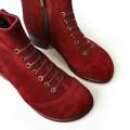 Стильные и лаконичные ботинки на кожаном подкладе