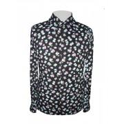 Черная рубашка в яркие цветы