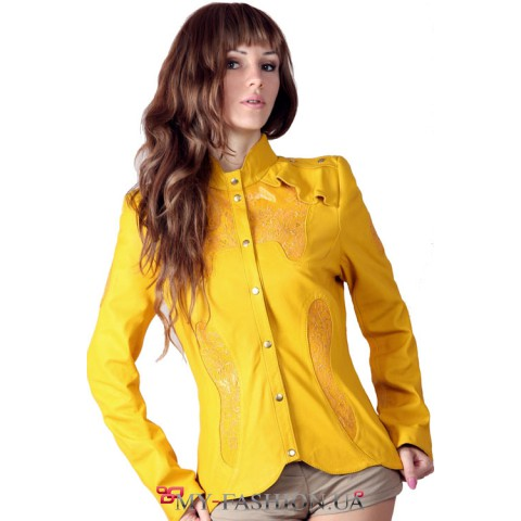 Кожаная куртка яркого желтого цвета