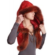 Жилетка красного цвета с капюшоном