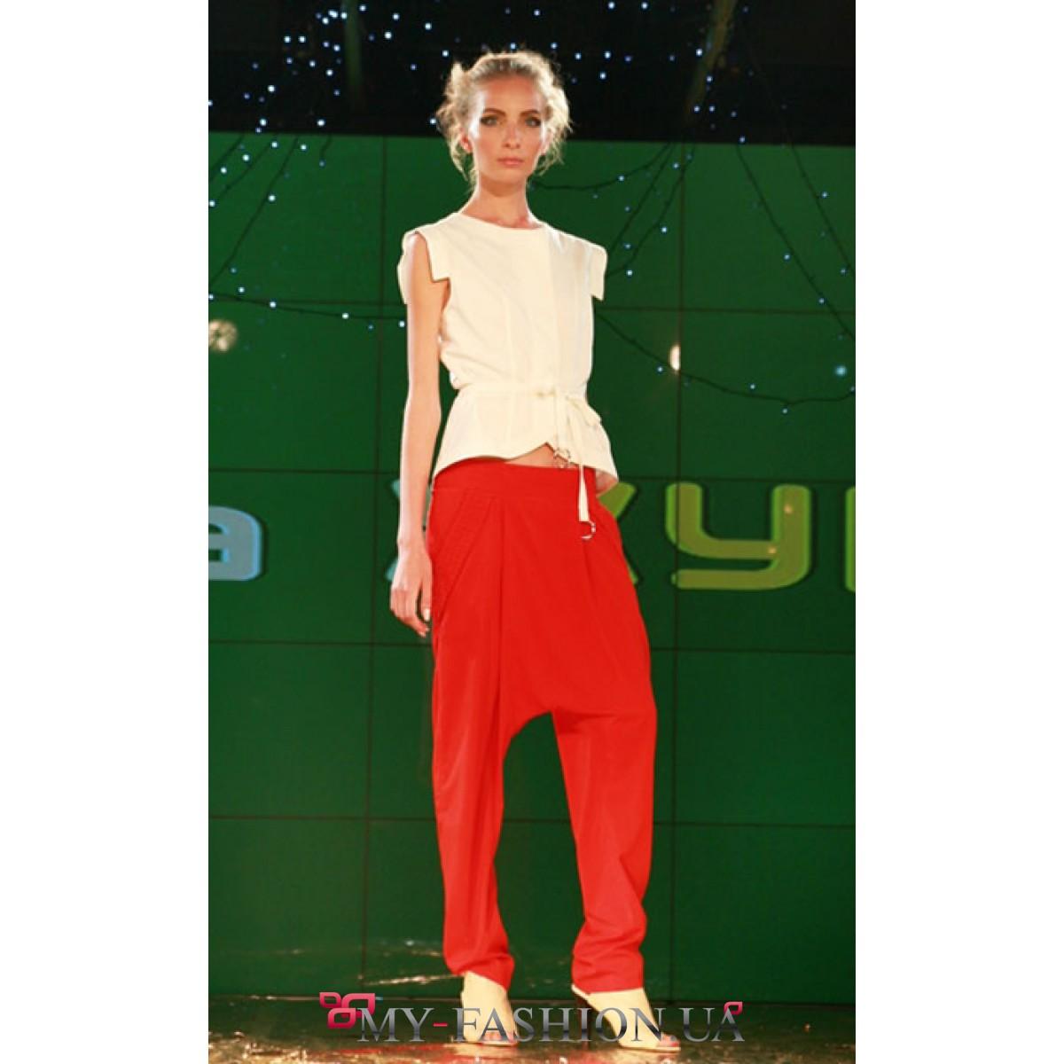 Красные мужские брюки доставка
