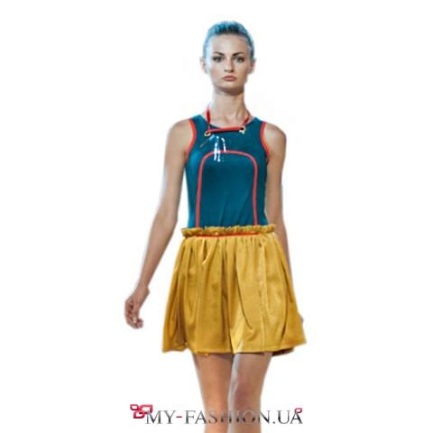 Короткое замшевое платье с пышной юбкой