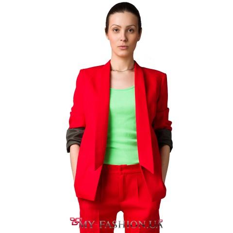 красный классический женский костюм доставка