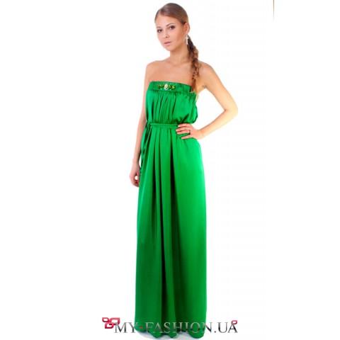 Вечернее платье сочно зелёного цвета