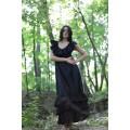 Длинное чёрное платье из батиста