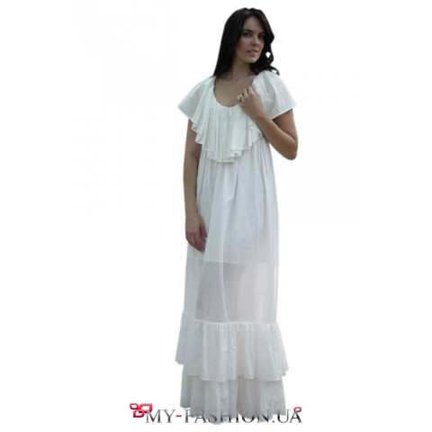 Длинное белое платье из батиста
