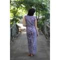 Длинное джинсовое платье с орнаментом