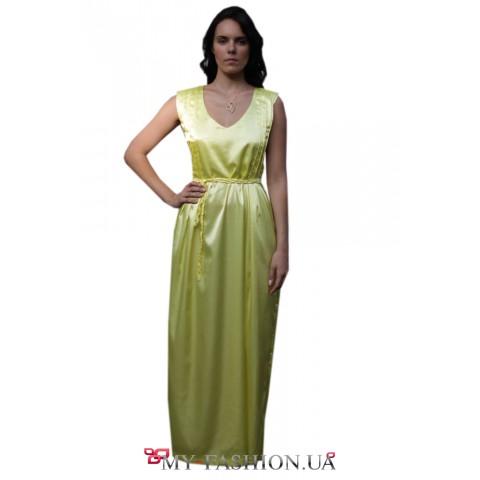 Атласное жёлтое платье максимальной длины