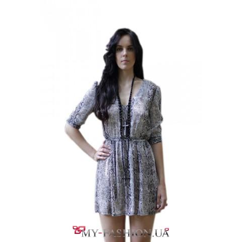 Короткое платье из струящегося шифона