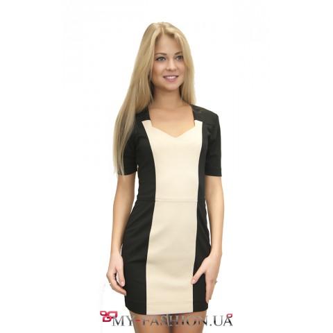 Короткое комбинированное трикотажное платье