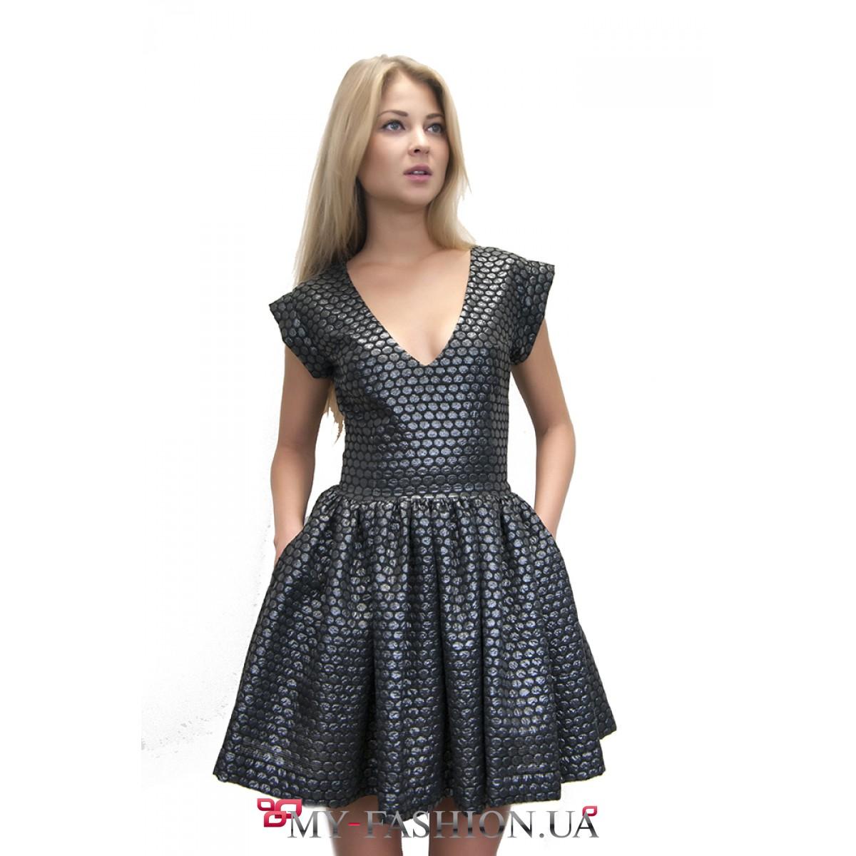 Модель платья с пышной юбкой