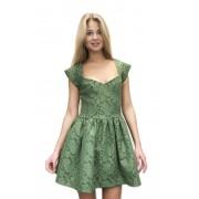 Короткое изумрудное платье с пышной юбкой