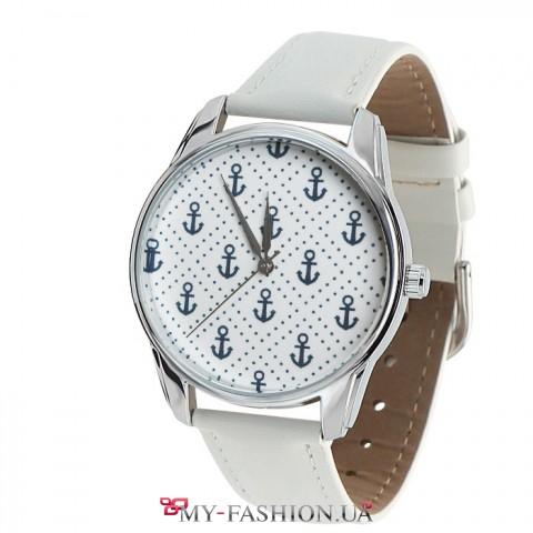 Женские наручные часы с уникальным дизайном